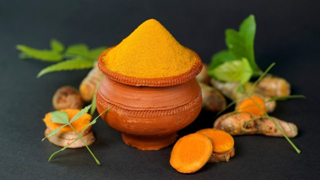 curcumin is a phytochemical present in turmeric uses